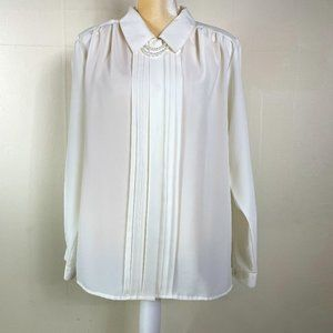 Vintage Workwear White Pleated Blouse with Pearls!
